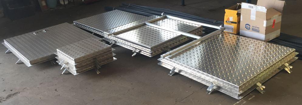 Cerrajería - Tapas en aluminio con marco
