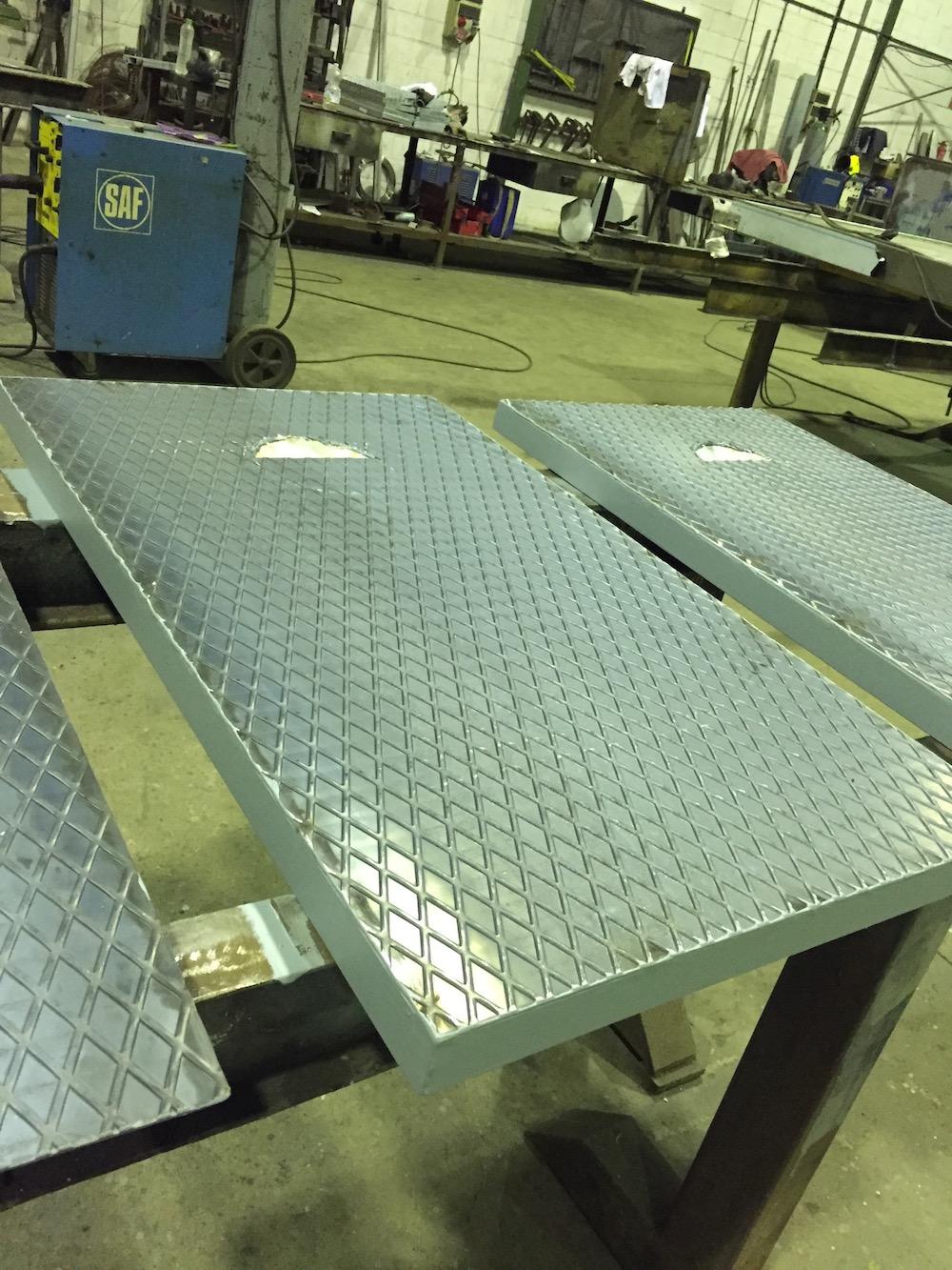 Cerrajería - Tapas en acero al carbono