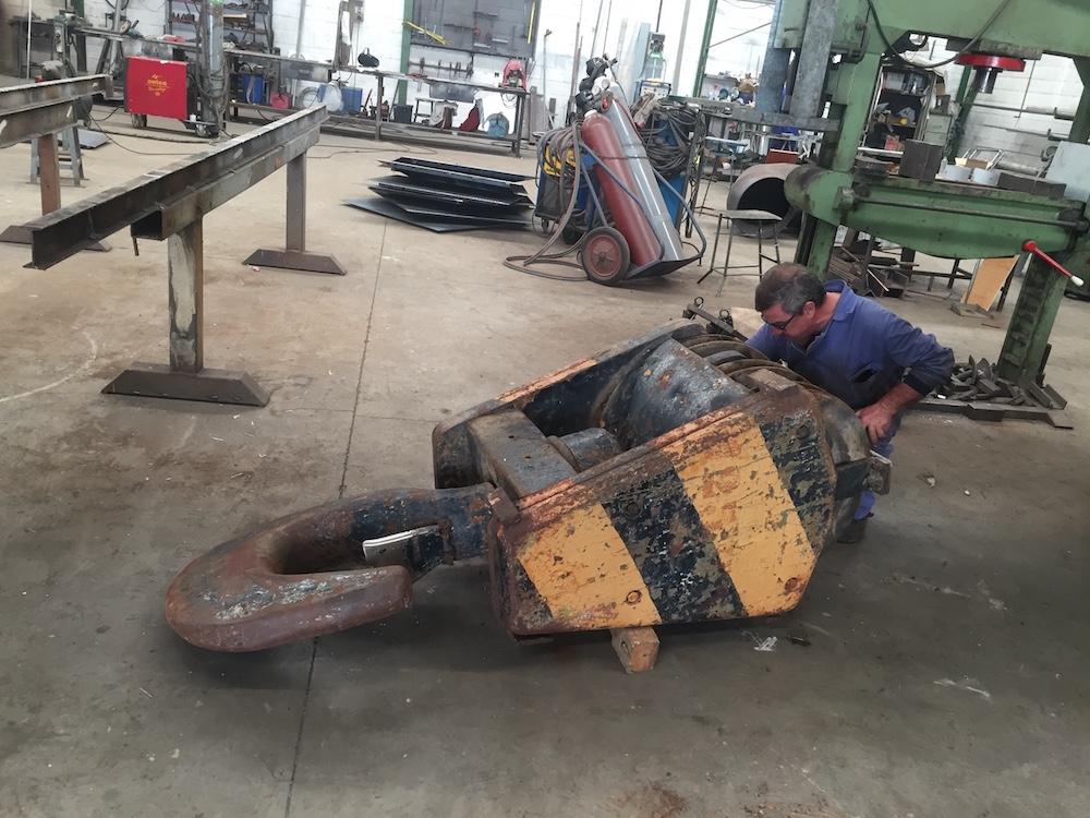 Reparación de ganchos, poleas y pastecas de gran tonelaje