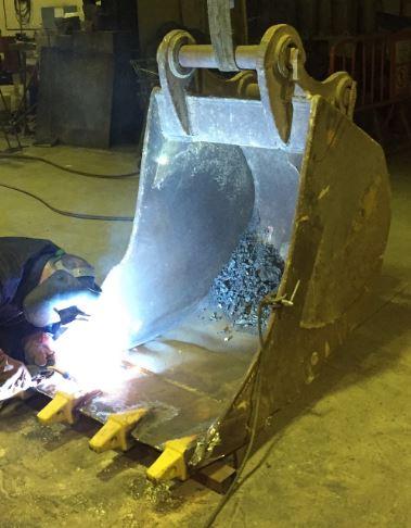 Reparación equipos industriales - pala cuchara vaso excavadora
